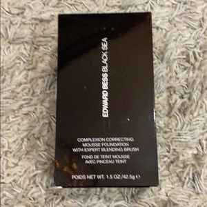 NWB Edward Bess Black Sea complexion foundation